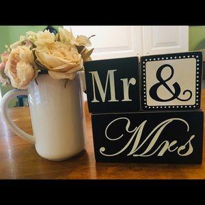 """MR & MRS"" set of 3 wooden WEDDING blocks decor"